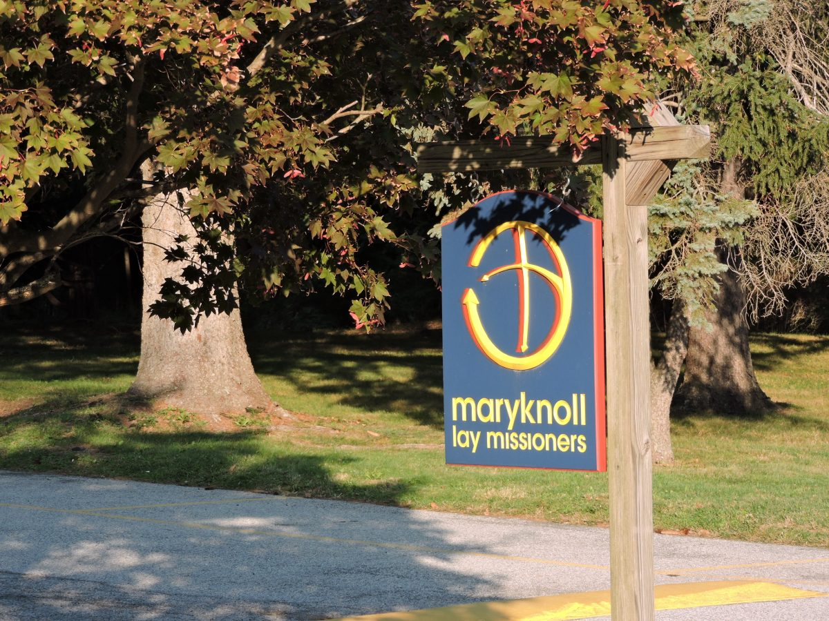Maryknoll Lay Missioners sign